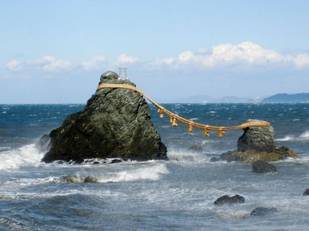 rock | Shimenawa | WHAT IS A SHIMENAWA?